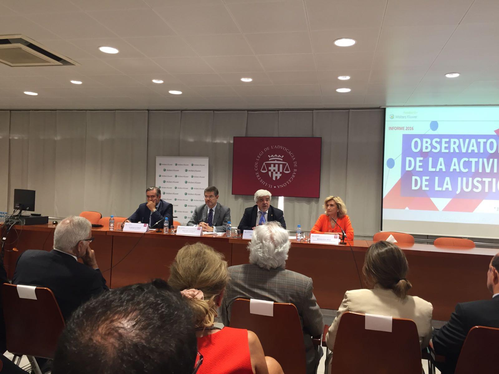 Asistencia a la presentación de los datos del Observatorio de la Actividad de la Justicia, en el Colegio de Abogados de Cataluña, presidido por el Ministro de Justicia
